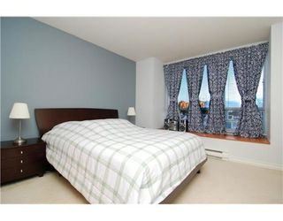 Photo 4: 6781 VILLAGE GR in Burnaby: Condo for sale : MLS®# V825832