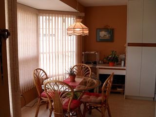 """Photo 3: 8 2020 Van Horne Drive in Kamloops: House for sale in """"VAN HORNE TERRACES"""" : MLS®# 104946"""