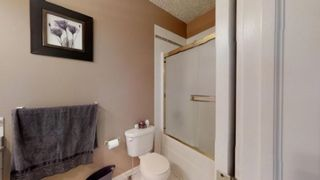 Photo 8: 230 KULAWY Drive in Edmonton: Zone 29 House for sale : MLS®# E4170941