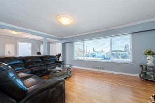 Photo 3: 8391 11TH Avenue in Burnaby: East Burnaby House for sale (Burnaby East)  : MLS®# R2414796