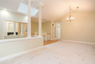 """Photo 5: 18 1711 140 Street in Surrey: Sunnyside Park Surrey Townhouse for sale in """"OCEANWODD"""" (South Surrey White Rock)  : MLS®# R2424486"""