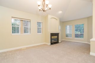 """Photo 3: 18 1711 140 Street in Surrey: Sunnyside Park Surrey Townhouse for sale in """"OCEANWODD"""" (South Surrey White Rock)  : MLS®# R2424486"""