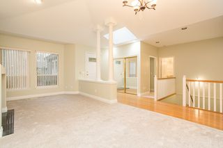 """Photo 4: 18 1711 140 Street in Surrey: Sunnyside Park Surrey Townhouse for sale in """"OCEANWODD"""" (South Surrey White Rock)  : MLS®# R2424486"""