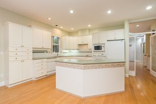 """Photo 7: 18 1711 140 Street in Surrey: Sunnyside Park Surrey Townhouse for sale in """"OCEANWODD"""" (South Surrey White Rock)  : MLS®# R2424486"""