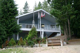 Photo 1: 665 Park Road SE in Enderby: Waterfront with home Residential Detached for sale (Salmon Arm)  : MLS®# 9220355