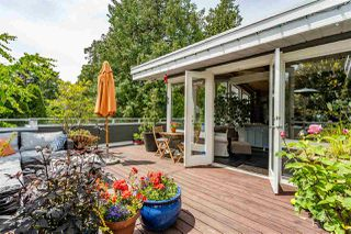 """Photo 1: 980 PACIFIC Drive in Delta: English Bluff House for sale in """"THE VILLAGE"""" (Tsawwassen)  : MLS®# R2462266"""