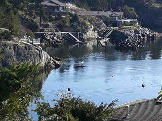 "Photo 1: 9193 TRUMAN Road in Halfmoon Bay: Halfmn Bay Secret Cv Redroofs House for sale in ""Truman Loop"" (Sunshine Coast)  : MLS®# R2475550"