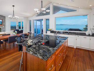 Photo 10: 2940 Mt. Baker View Rd in Saanich: SE Ten Mile Point House for sale (Saanich East)  : MLS®# 844062
