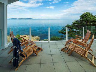 Photo 1: 2940 Mt. Baker View Rd in Saanich: SE Ten Mile Point House for sale (Saanich East)  : MLS®# 844062