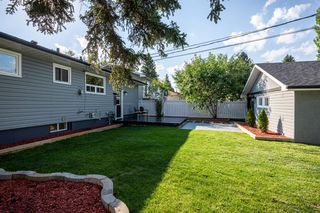Photo 8: 4316 BRENTWOOD Green NW in Calgary: Brentwood Detached for sale : MLS®# A1011528