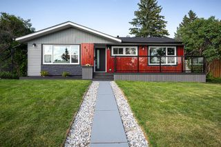 Main Photo: 4316 BRENTWOOD Green NW in Calgary: Brentwood Detached for sale : MLS®# A1011528