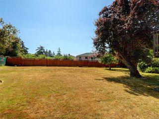 Photo 18: 221 kamloops Ave in : SW Tillicum House for sale (Saanich West)  : MLS®# 850412
