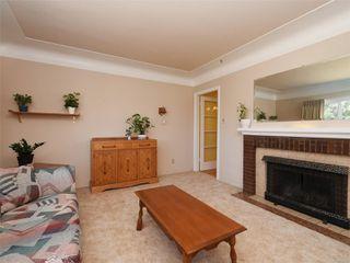 Photo 2: 221 kamloops Ave in : SW Tillicum House for sale (Saanich West)  : MLS®# 850412