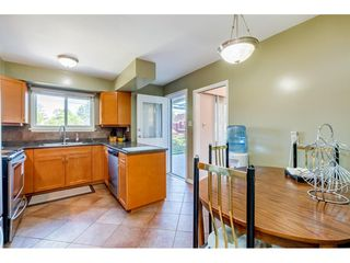 """Photo 12: 10240 AINSWORTH Crescent in Richmond: McNair House for sale in """"McNAIR"""" : MLS®# R2488497"""