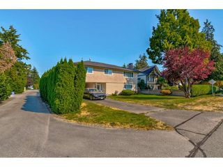 """Photo 3: 10240 AINSWORTH Crescent in Richmond: McNair House for sale in """"McNAIR"""" : MLS®# R2488497"""