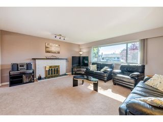 """Photo 5: 10240 AINSWORTH Crescent in Richmond: McNair House for sale in """"McNAIR"""" : MLS®# R2488497"""