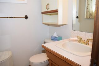 Photo 11: 7132 Hunterwood Road NW in Calgary: Huntington Hills Detached for sale : MLS®# A1023165