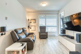 """Photo 5: 304 5638 201A Street in Langley: Langley City Condo for sale in """"THE CIVIC BY CREADA DEVELOPMENTS"""" : MLS®# R2495146"""