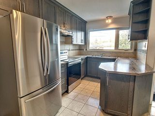 Photo 2: 12016 136 Avenue in Edmonton: Zone 01 House for sale : MLS®# E4217755