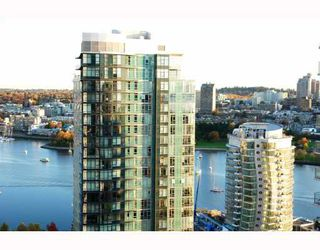 """Photo 4: 2902 1438 RICHARDS Street in Vancouver: False Creek North Condo for sale in """"AZURA 1"""" (Vancouver West)  : MLS®# SOLD"""