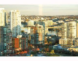 """Photo 5: 2902 1438 RICHARDS Street in Vancouver: False Creek North Condo for sale in """"AZURA 1"""" (Vancouver West)  : MLS®# SOLD"""