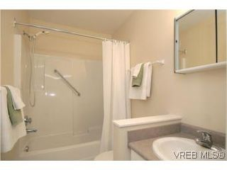Photo 15: 202 290 Island Highway in VICTORIA: VR View Royal Condo Apartment for sale (View Royal)  : MLS®# 270086