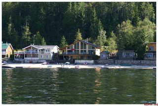 Photo 3: #5; 1249 Bernie Road in Sicamous: Waterfront Residential Detached for sale : MLS®# 10014956