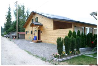 Photo 5: #5; 1249 Bernie Road in Sicamous: Waterfront Residential Detached for sale : MLS®# 10014956