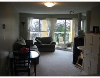 """Photo 4: 207 519 12TH Street in New_Westminster: Uptown NW Condo for sale in """"KINGSGATE HOUSE"""" (New Westminster)  : MLS®# V659473"""