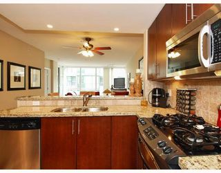 Photo 3: 113 - 1483 W. 7th Avenue in Vancouver: Fairview VW Condo for sale (Vancouver West)  : MLS®# V695373