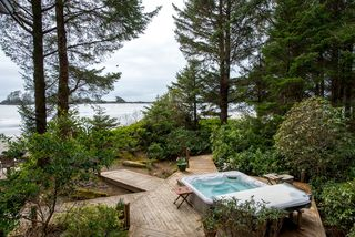 Photo 8: 1327 Chesterman Beach Rd in TOFINO: PA Tofino Single Family Detached for sale (Port Alberni)  : MLS®# 831156