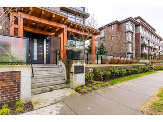 Photo 2: 303 260 SALTER Street in New Westminster: Queensborough Condo for sale : MLS®# R2433143