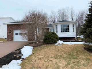 Photo 1: 41 Terrace Heights Drive in New Glasgow: 106-New Glasgow, Stellarton Residential for sale (Northern Region)  : MLS®# 202004646