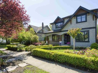 Photo 2: 4410 W 12TH Avenue in Vancouver: Point Grey House for sale (Vancouver West)  : MLS®# R2454778