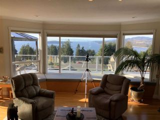 Photo 4: 5200 CHARTWELL Road in Sechelt: Sechelt District House for sale (Sunshine Coast)  : MLS®# R2510195