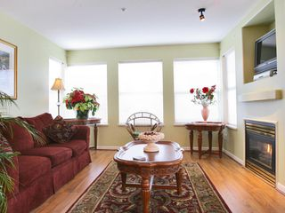 """Photo 10: 209 20200 56TH Avenue in Langley: Langley City Condo for sale in """"THE BENTLEY"""" : MLS®# F2710508"""