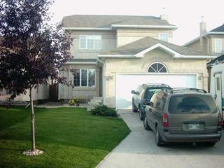 Photo 2: 10 HOCHMAN Avenue in Winnipeg: St Vital Single Family Detached for sale (South East Winnipeg)  : MLS®# 2505135