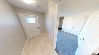 Photo 3: 87 1530 Tamarack Boulevard in Edmonton: Zone 30 Townhouse for sale : MLS®# E4169983