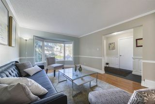 Photo 4: 3863 51 Street in Edmonton: Zone 29 House for sale : MLS®# E4171569