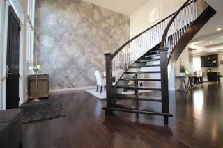 Photo 2: 10613 174A Avenue in Edmonton: Zone 27 House for sale : MLS®# E4183833