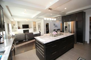 Photo 9: 10613 174A Avenue in Edmonton: Zone 27 House for sale : MLS®# E4183833