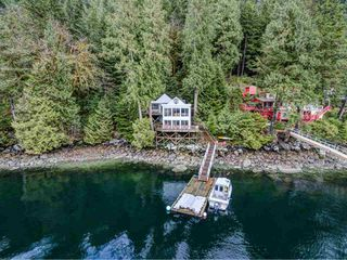 """Photo 16: 25 E OF CROKER Island in North Vancouver: Indian Arm House for sale in """"Helga Bay"""" : MLS®# R2432957"""