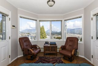 "Photo 9: 3913 TRINITY Street in Burnaby: Vancouver Heights House for sale in ""Vancouver Heights"" (Burnaby North)  : MLS®# R2443031"