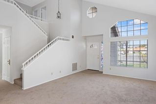 Photo 3: OCEANSIDE House for sale : 3 bedrooms : 5385 Blackberry Way