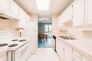 """Photo 8: 101 333 WETHERSFIELD Drive in Vancouver: South Cambie Condo for sale in """"LANGARA COURT"""" (Vancouver West)  : MLS®# R2467887"""