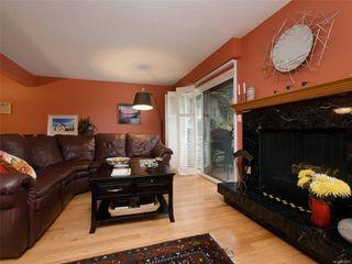 Photo 2: 1 1480 GARNET Rd in : SE Cedar Hill Row/Townhouse for sale (Saanich East)  : MLS®# 856625