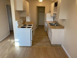 Photo 4: 4 15916 109 Avenue in Edmonton: Zone 21 Condo for sale : MLS®# E4217869