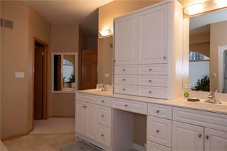 Photo 16: 554 Victoria Grove South in Winnipeg: Pulberry Residential for sale (2C)  : MLS®# 202028269
