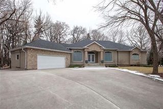Photo 37: 554 Victoria Grove South in Winnipeg: Pulberry Residential for sale (2C)  : MLS®# 202028269
