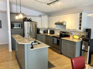 Photo 2: 3080 St James Crescent in Regina: Windsor Park Residential for sale : MLS®# SK834311
